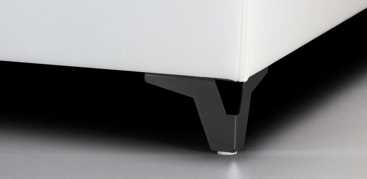 V37 - kovové nohy s RAL úpravou černé; výška noh: 8 cm