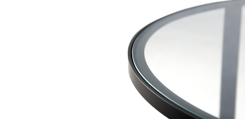 krásná komaxitová podnož v kombinaci s čirým sklem s vysokou odolností