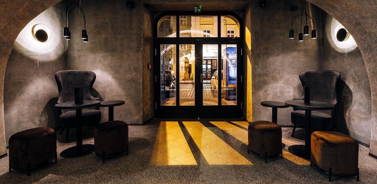 MOON CLUB & LOUNGE - Praha